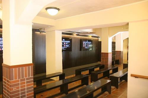 登美の丘ワイナリー待合室
