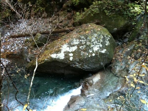 西沢渓谷フグ岩