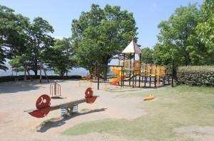 フルーツ公園の子供用アスレチック広場
