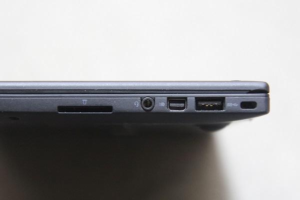 ThinkPad X1右側