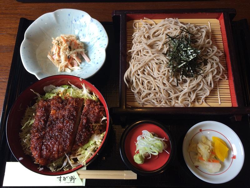 長野県駒ヶ根市にあるお食事処すが野でざる蕎麦ミニカツ丼セットを頂いてきました。